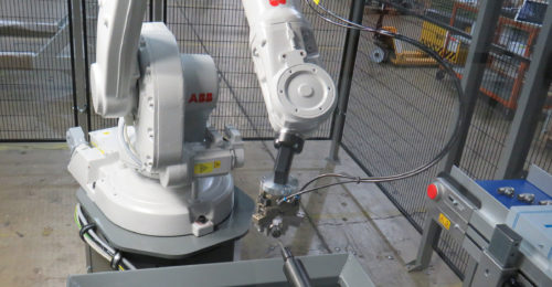 https://cdn.mtdcnc.global/cnc/wp-content/uploads/2020/06/01154428/The-ABB-robot-presenting-parts-to-the-deburring-station-500x260.jpg