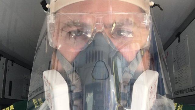 https://cdn.mtdcnc.global/cnc/wp-content/uploads/2020/06/02172524/A-London-Paramedic-with-the-Byrnes-Dental-shield-640x360.jpg